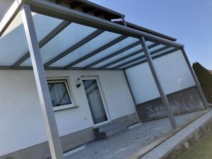 Terrassenvordach
